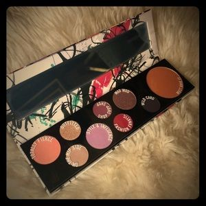 BNIP MAC PERSONALITY PALETTE FASHION FANATIC